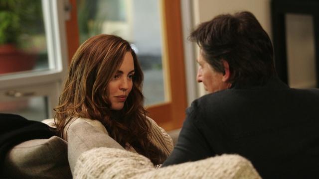 Laura encarna a personagem da clássica paciente apaixonada pelo terapeuta